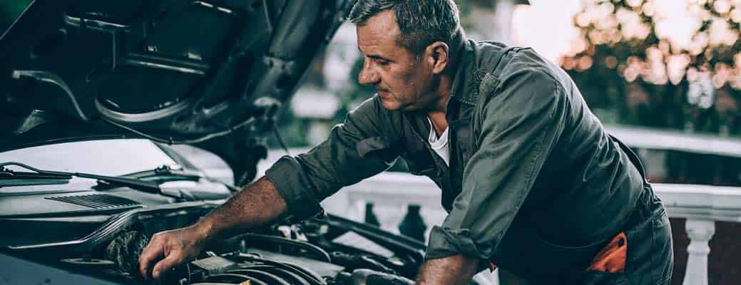 4 Automotive Repair Podcasts to Tune Into This Year header image