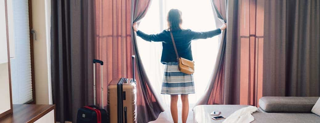 5 Ways to Save Big on a Hotel or Airbnb Rental