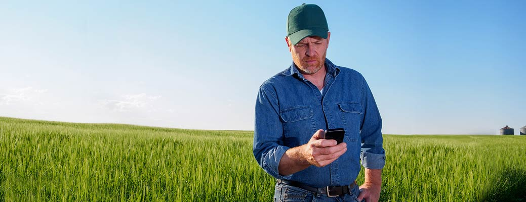 8 Apps for Savvy Farmers