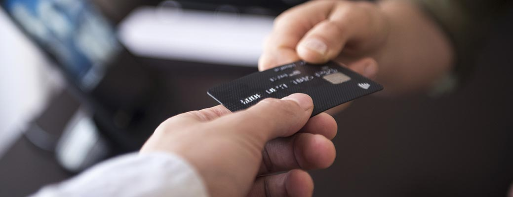 The Pros and Cons of Credit Cards header image