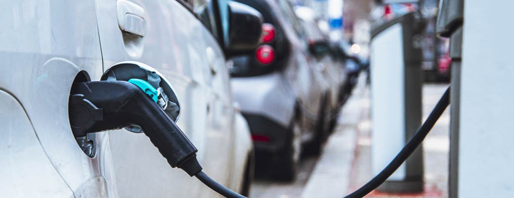 Electric Car Pros and Cons: Everything You Should Know Before You Buy